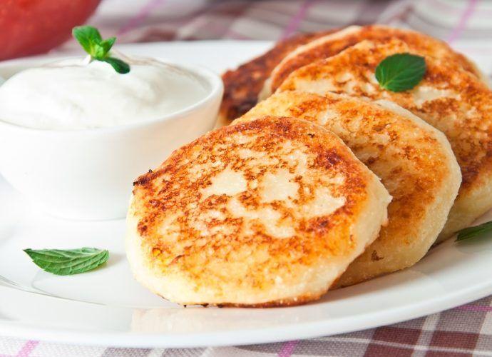 В чем польза сырников? Как приготовить вкусные сырники на завтрак - рецепт
