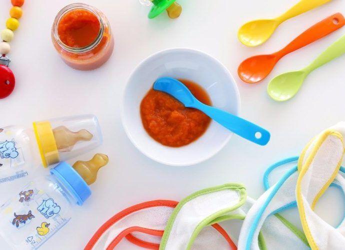 Какую посуду для ребенка выбрать в первую очередь