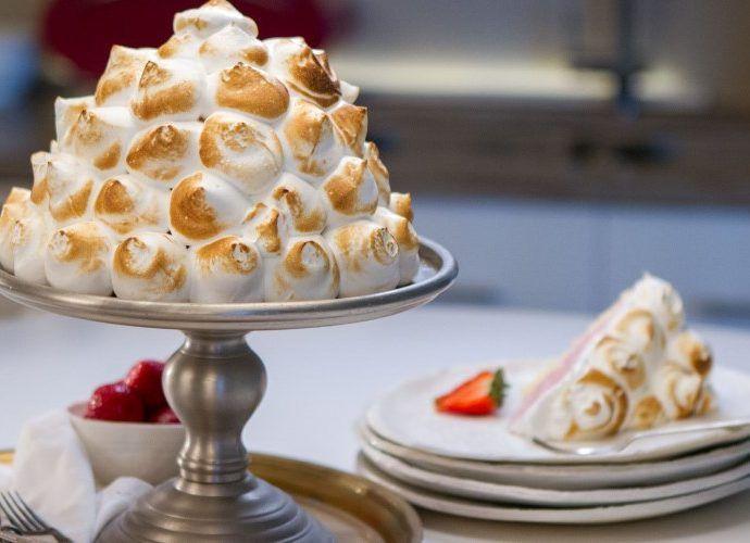 """Мороженое """"Аляска"""" - холодный торт-десерт под взбитыми сливками"""