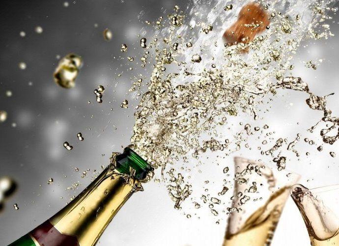 Шампанское - история появления. Как выбирать, открывать и пить игристое вино - 4 полезных совета