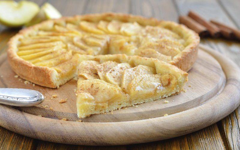 Яблочный пирог в мультиварке ванильный