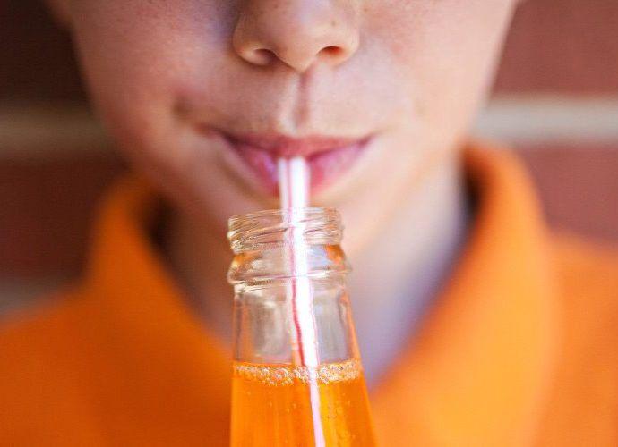 Чем вредна газировка: почему газированные напитки не рекомендуют детям