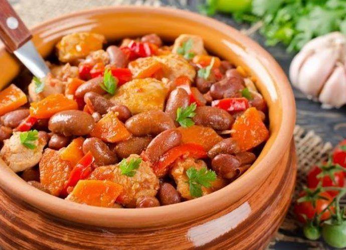 Рагу с фасолью, овощами и говядиной в мультиварке