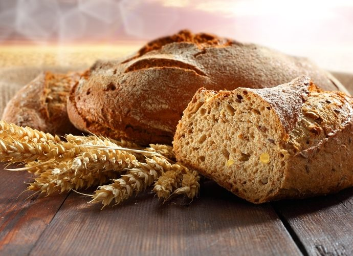Как испечь дома полезный бездрожжевой хлеб?