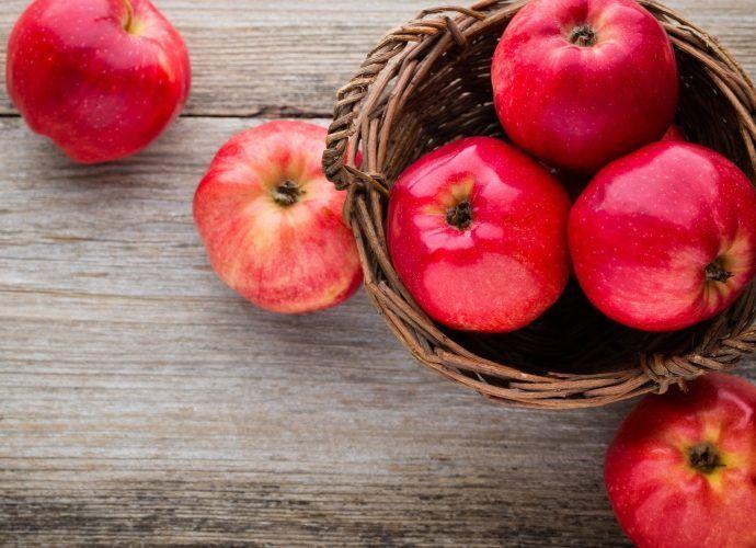 Салаты с яблоками для детей - 5 простых рецептов на скорую руку