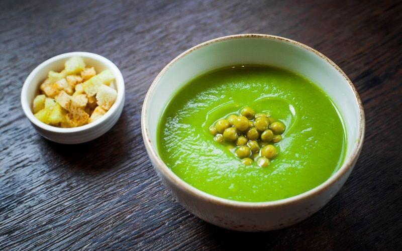 Суп-пюре из зеленого горошка - простой рецепт