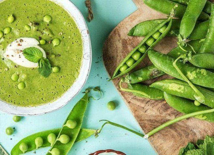 Суп с зеленым горошком: 6 простых рецептов горячих и холодных первых блюд