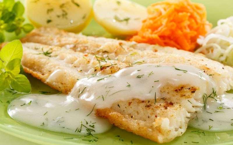 Рыба в яблочном соусе