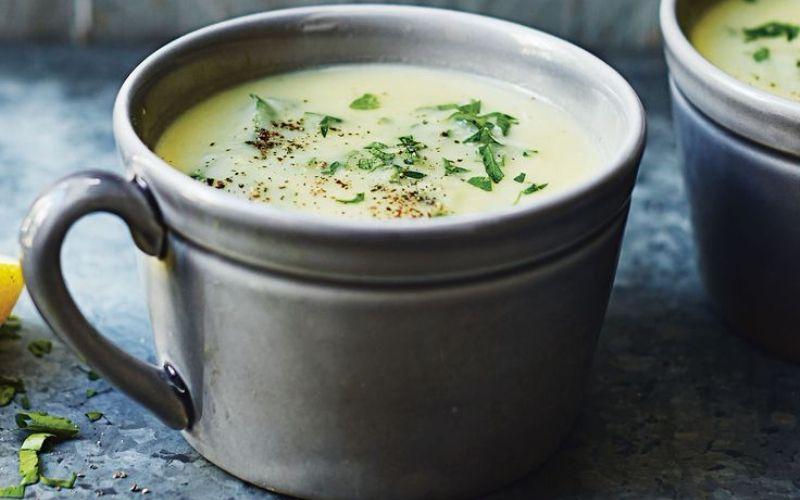 Оригинальный рецепт летнего супа из петрушки со сливками