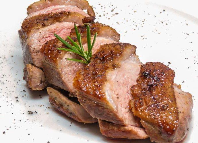 Утиная грудка: 6 вкусных рецептов приготовления