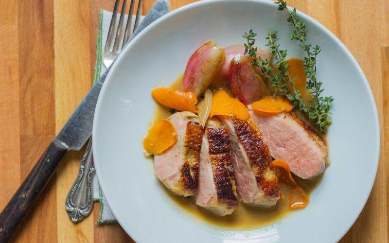 утиная грудка с персиковым соусом