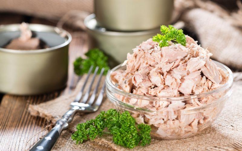 Диетические салаты с тунцом: 9 вкусных и полезных рецептов без майонеза