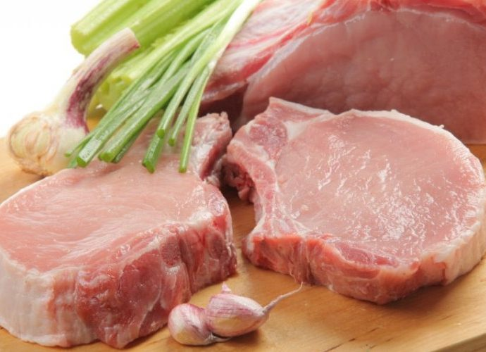 Вкусная диетическая свинина кусочками: в духовке, мультиварке, на сковороде