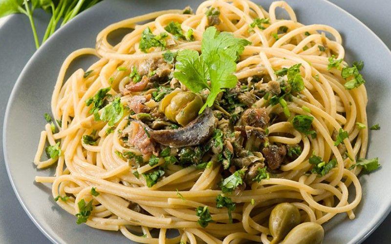 Спагетти с каперсовой пастой