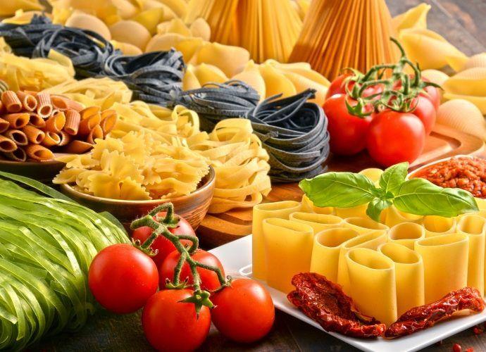 Вкусные рецепты макаронных изделий: паста с овощами, мясом, креветками и сыром