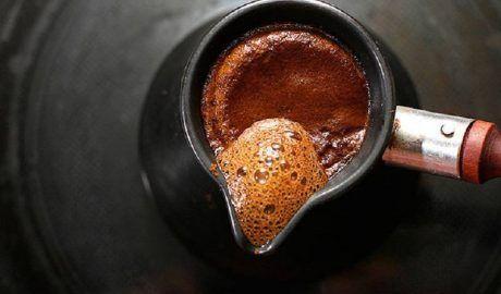 Как сварить вкусный кофе в турке: домашний рецепт