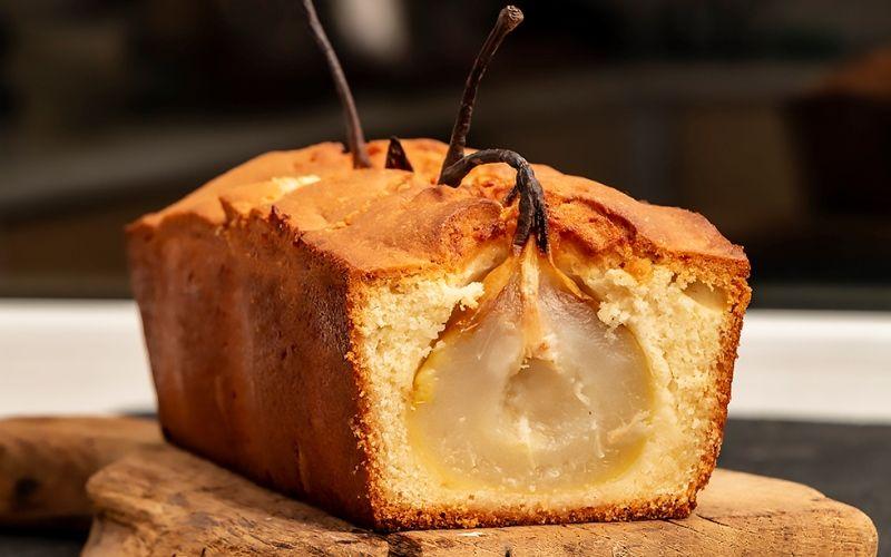 Творожно-банановый кекс с пряными грушами