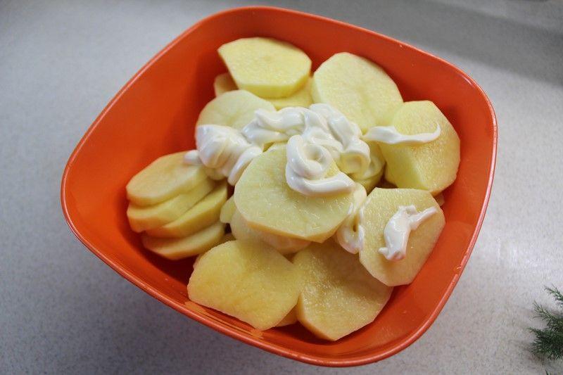 Картофель в майонезе
