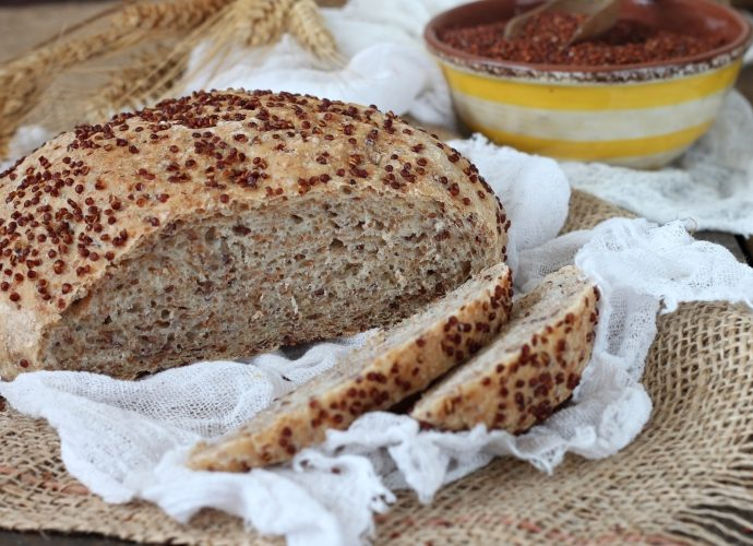 Вкусный домашний хлеб: 4 разных рецепта