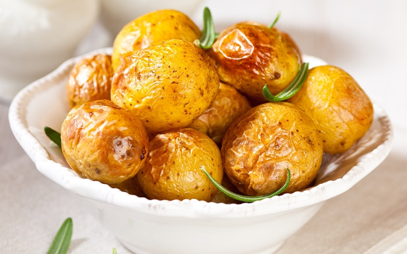 Готовим вкусную картошку в духовке: рецепты с мясом, сыром, овощами