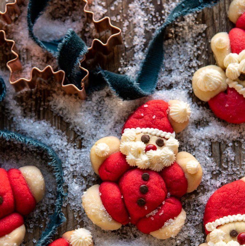 Печенье в форме санта-клауса новогоднее