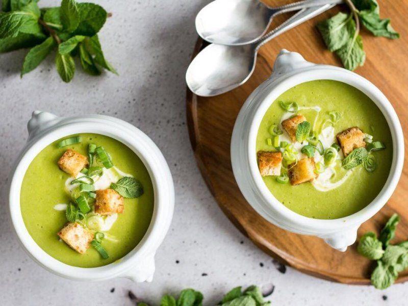Суп-крем из шпината с топинамбуром