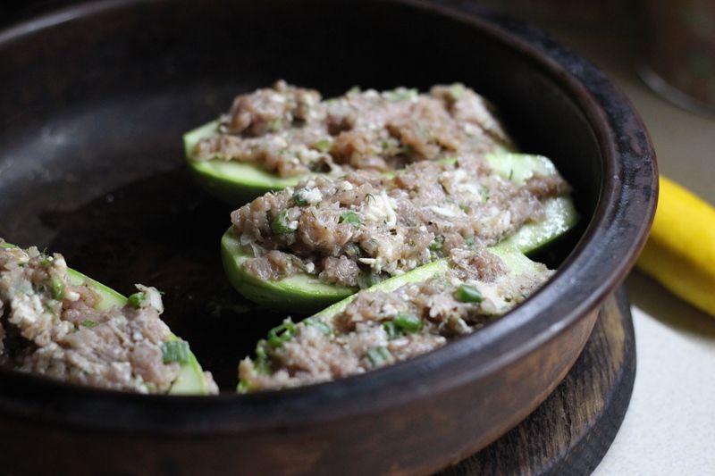Фаршированные кабачки с сыром и мясом