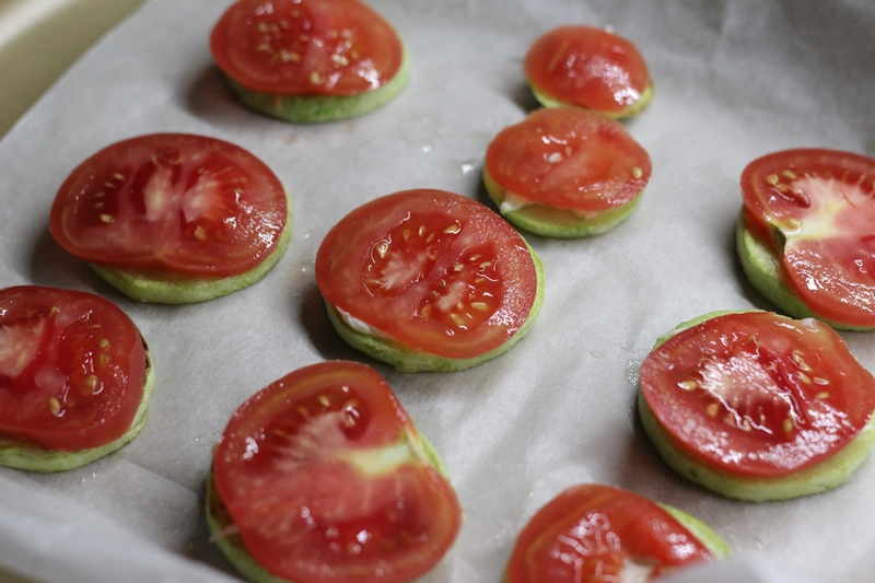 Кабачки с сыром и томатами в духовке