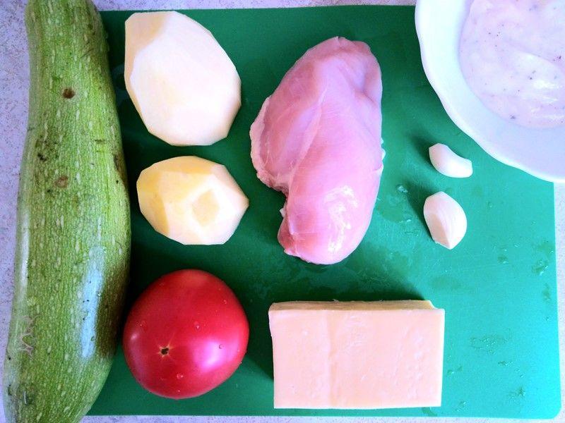 Нежнейшие кабачки с сыром, курицей и овощами