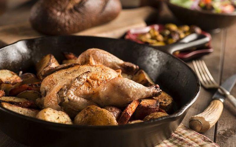 Цыпленок, запеченный в духовке с грибами