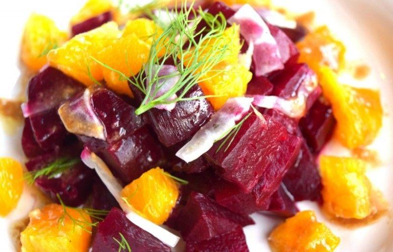 Салат из свеклы и норвежской сельди с апельсином