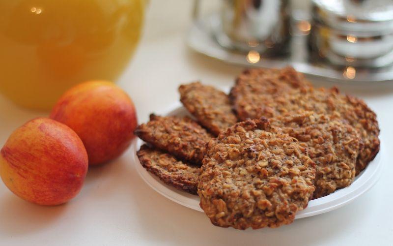 Печенье овсяное с вишней и орешками