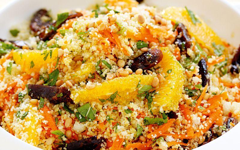Из свежих овощей и кускуса с апельсинами